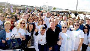 ראש העיר ועובדי העירייה עושים עסקים טובים בשוק העירוני בלוד.צילום דוברות העירייה