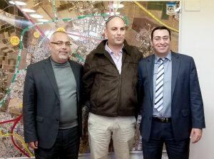 מימין - יור הרכבת בשארה, ראש העיר רביבו, וחכ אוסמה.צילום דוברות העירייה