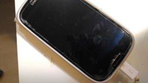 גנב מכשירים סלולריים באזור לוד.אילוסטרציה.צילום עט תקשורת