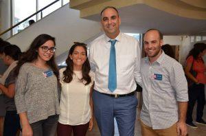 ראש העיר עם נציגי התאחדות הסטודנטים בכנס בלוד.צילום דוברות עיריית לוד