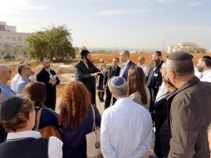 ראשי הערים ובכירי העירייה בסיור באלעד.צילום דוברות עיריית לוד