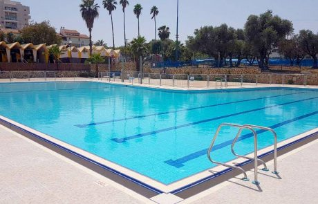 החלו עבודות הפיתוח לבריכות השחיה בגני אביב ופרדס שניר