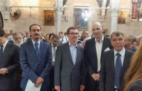 שגרירים ועיתונאים זרים מכל העולם סיירו בלוד בהדרכת אביב וסרמן