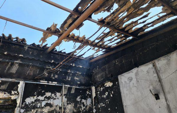 """בעקבות שריפת בית הכנסת """"בית ישראל"""" אסבסט שוחרר ומונע כניסה ויציאה"""