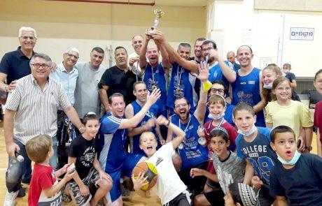 """קבוצת """"הפנס"""" זכתה באליפות ליגת הקהילות בכדורסל בלוד"""