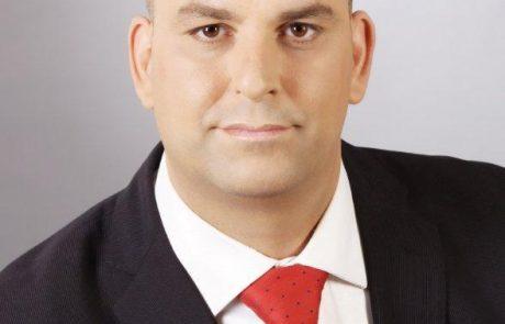"""ראש העיר רביבו פיטר את סגנו, ממן:""""חתרן פוליטי""""."""