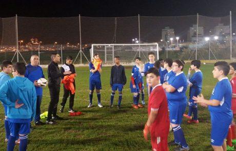 שחקן העבר, יעקב הלל מוביל רישום שיא לבית הספר לכדורגל