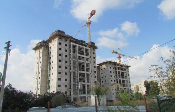 """מנהלת בי""""ס רמב""""ם נדקרה בשכונת רמת אלישיב בלוד"""