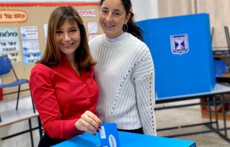 חשד לזיוף קולות בבחירות: קלפי בלוד נשלחה לחקירת משטרה