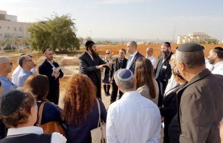 בכירי עיריית לוד קיימו סיור עבודה באלעד