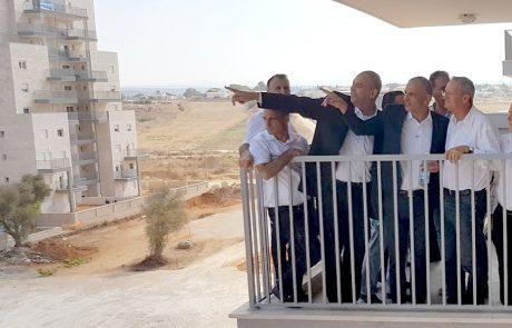 """שר האוצר כחלון בחנוכת """"גני איילון"""", הבוקר: """"כאן נמצאים אלה שעושים למען הזוגות הצעירים בישראל"""""""