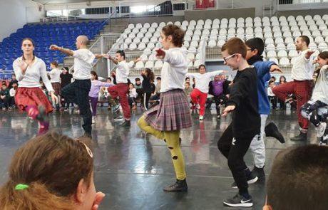 """קצת תרבות: להקת המחול בת שבע הופיעה בפני תלמידי בי""""ס הראל בלוד"""