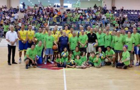 ותיקי מכבי תל אביב בכדורסל במשחק ידידות מול אליצור לוד לזכר שלושת הנערים
