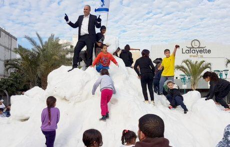 הר שלג מהחרמון ברחבת העירייה, טריבונה חדשה, והפתעה מיוחדת. השבוע בלוד