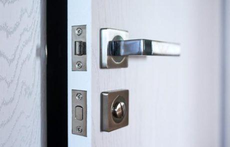 דלתות זכוכית למשרד- יופי ויוקרה