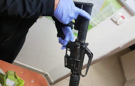 מחסני הנשק הבלתי חוקי במגזר: רובה סער, תתי מקלע, אקדח, רימון רסס ותחמושת נתפסו במבצע חיפושים ברמלה