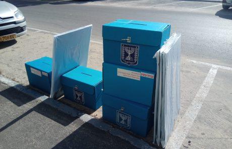 לוד הולכת (שוב) להצביע | 92 קלפיות, 55,192 בוחרים ומעטפה כחולה אחת. אז איפה הקלפי שלכם?