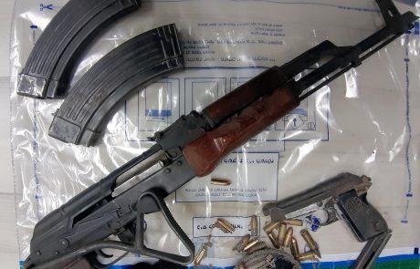 קלצ'ניקוב, אקדח ותת מקלע מאולתר נתפסו בפעילות המשטרה בעיר בסוף השבוע