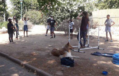 יוזמה: חוג טיפול בכלבים לילדי הדיור הציבורי בשכונות הותיקות בלוד
