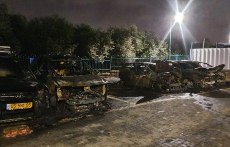 יותר מעשרה כלי רכב הוצתו: חשד לפשע שנאה לאומני בלוד