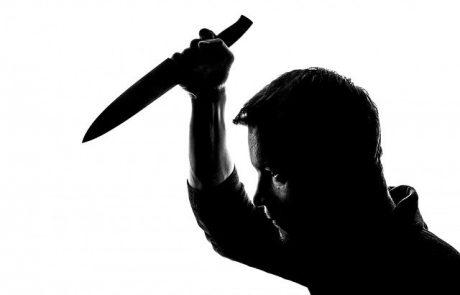 גבר שנכנס לסופר בגני אביב, לקח סכין וניסה לדקור אנשים