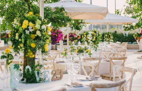 לפני שמחפשים אולם אירועים: חתונה אינטימית או גדולה?